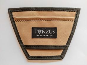 Ръчно изработен холдър TONZUS за мухарски и спининг кепове