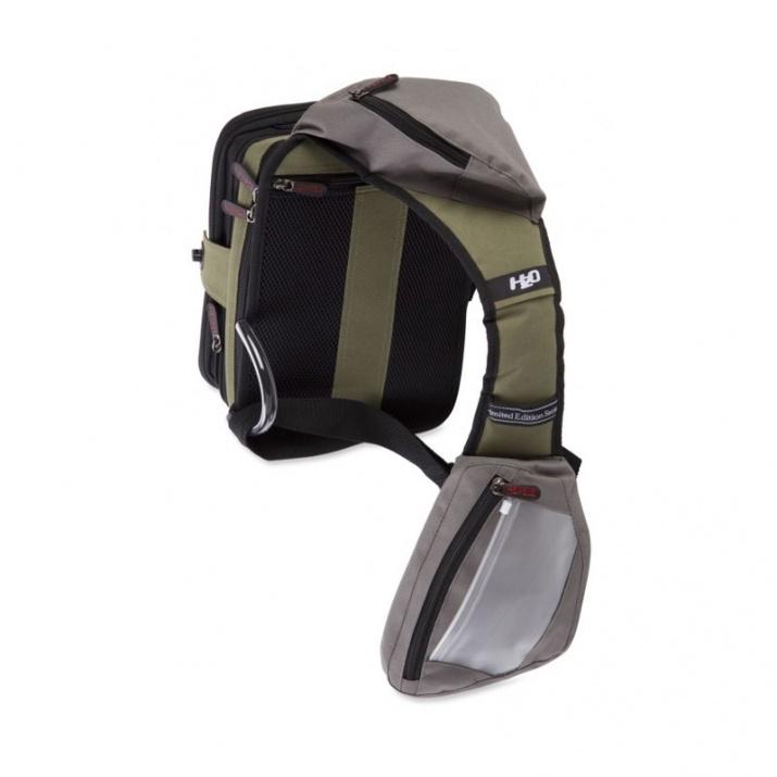Чанта за примамки Rapala Limited Edition Sling Bag Pro Размери 31 х 23 х 16.